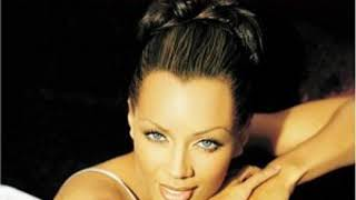 11 Go Tell It On The Mountain - Mary Had A Baby-Vanessa Williams