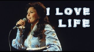 I Love Life: Loretta Lynn Still Gets Nervous When She Performs