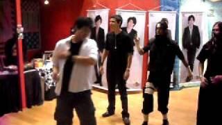SaiatsuBoys - tentativa em dançar Crazy Moon ~ kimi wa muteki