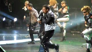 JLS Nsync and Backstreet Boys Medley Outta this world tour 2011 (o2 Arena)