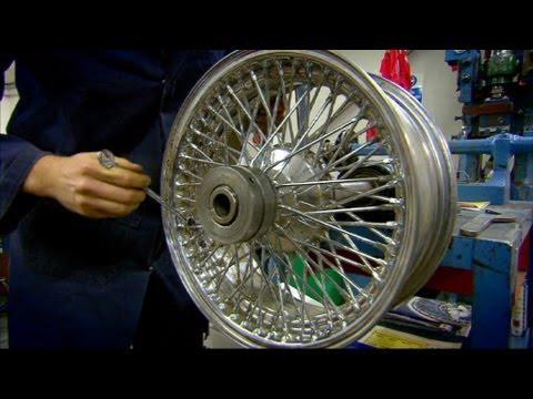 How To Replace Wheel Spokes: Jaguar E-Type - Wheeler Dealers