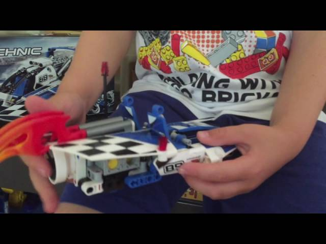 LEGO Technic - Hydroplane Racer 42045 Model B Race Boat Review & Demo