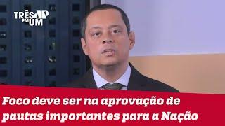Jorge Serrão: Não existe perigo algum dos militares assumirem o poder no Brasil
