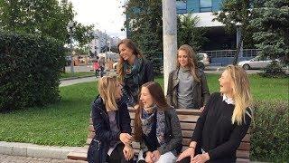Девушки поют на улицах Москвы! Girls sing on the street in Moscow