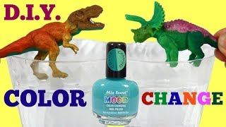 JURASSIC WORLD Dinosaurs T-Rex Vs. Triceratops D.I.Y. Color Changing Toys Nail Polish
