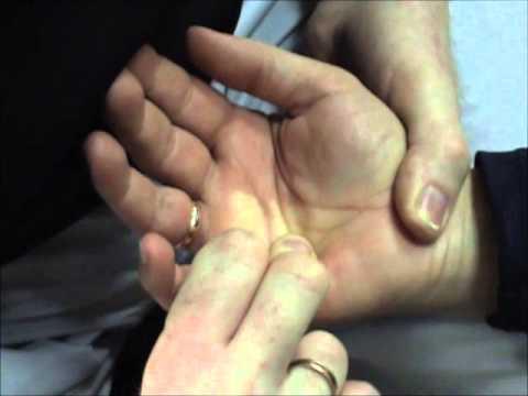 Ćwiczenia w domu dla mężczyzn pompować mięśnie tułowia
