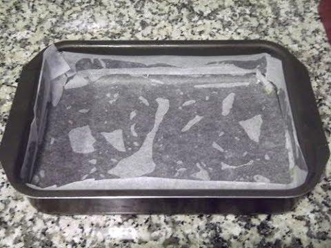 Como forrar un molde de horno para que no se peguen los bizcochos