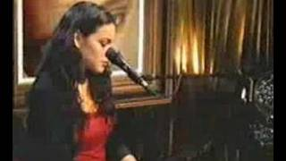 A Norah Jones - Are you lonesome (Elvis tribute)