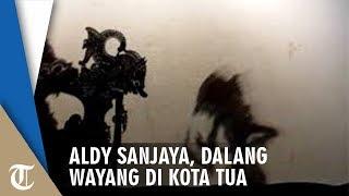 Aldy Sanjaya, Dalang yang Menggunakan Bahasa Inggris