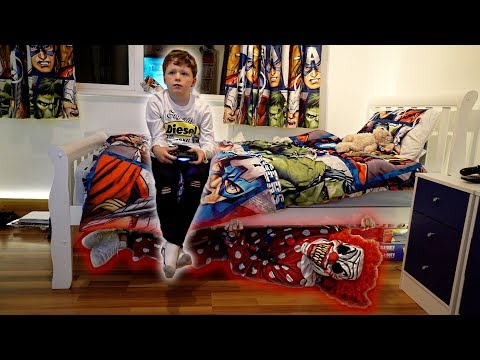 CREEPY CLOWN UNDER THE BED PRANK ON LITTLE BROTHER!
