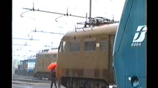 preview picture of video 'Deposito Locomotive Alessandria - 07/04/2001'