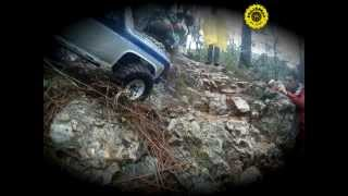 preview picture of video 'rc 1/10 Roc & roc axial scx10 crawler St Feliu de Codines Catalunya'