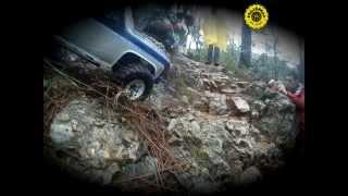 preview picture of video 'rc 1/10 Roc & roc axial scx10 crawler St Feliu de Codines Catalunya'