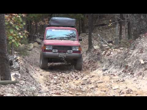 Classic Isuzu Trooper Off-Roading