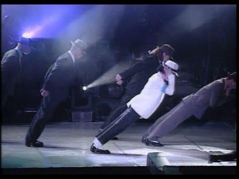 Michael Jackson - Smooth Criminal Live In Bucharest 1992 (HD)