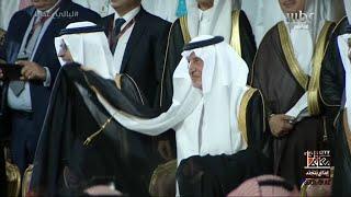 تحميل اغاني الأمير خالد الفيصل يتفاعل ويؤدي العرضة #ليالي_عكاظ MP3