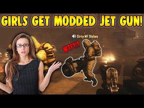 GIRLS FREAK OUT OVER MODDED JET GUN!! (Zombie Mod Trolling!)