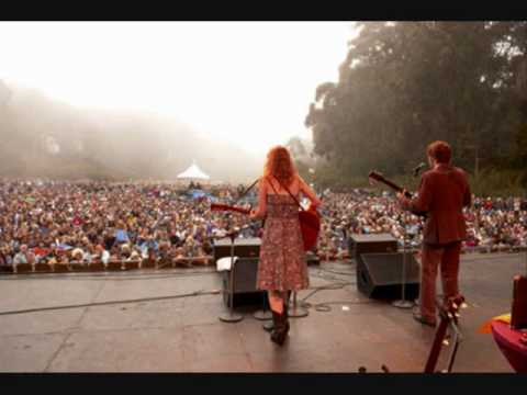 Gillian Welch - Acony Bell - Live .wmv