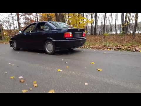 BMW 325i Burnouts! Donuts & Skids!