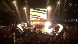 U2- Get On Your Boots (Live at Echo Awards 2009, Germany)