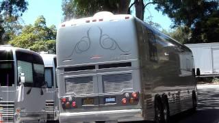 Adele tour bus arriving at UC Berkeley, California Greek Theater 8/14/11 in HD