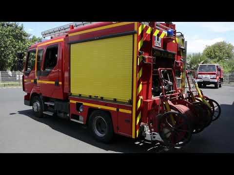 Profesionální hasiči Reúnion SDIS974 - Dva Mladí Hasiči