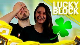 HET IS MIJN GELUKSDAG!! - Minecraft Lucky Block Staircase VS Eva