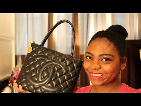 Chanel Medallion Tote: How I Pack My Purse | May 2015
