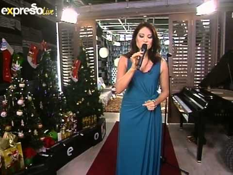 """Afrikaans Songbird Nianell Performs """"Finally"""" Live on eXpresso"""