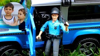 #Брудер Полицейский джип Land Rover Defender Полиция Bruder 02597 Видео для детей #Bruder