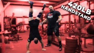 WHO CAN DO A HANDSTAND WALK  BETTER? ARMY SERGEANT VS 4X WORLDS STRONGEST MAN