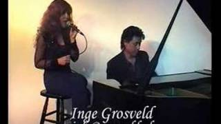 Inge Grosveld sings Barry Manilow's I know you're there