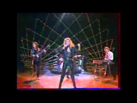 Bonnie Tyler - Here She Comes LIVE