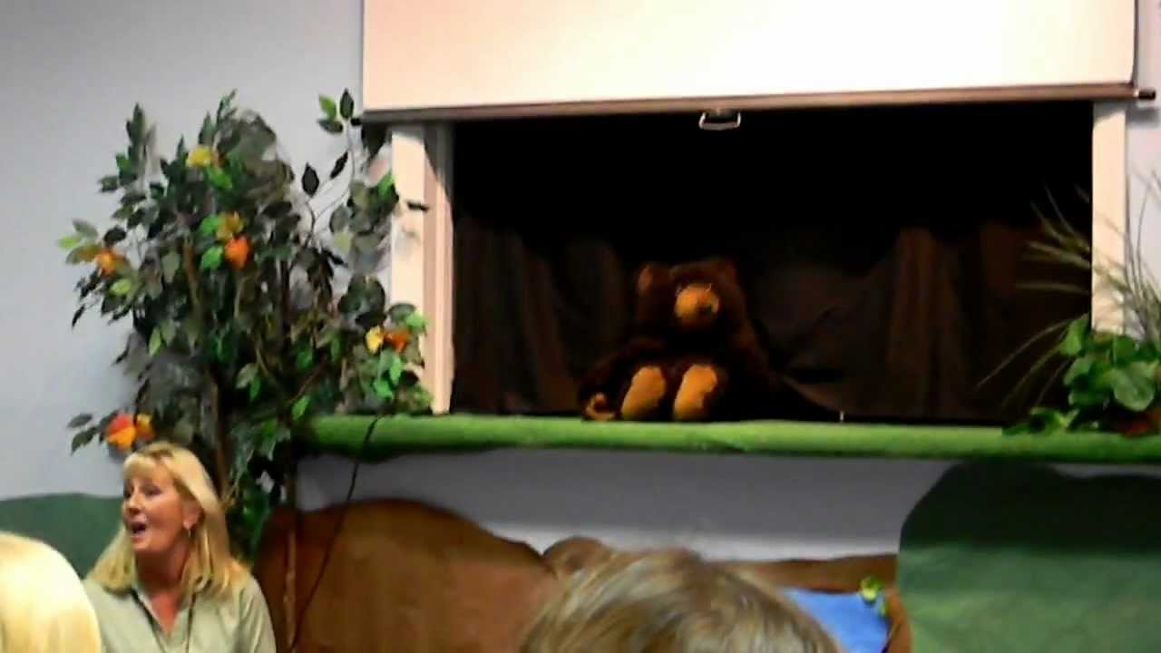 Puppet Show for kids - Maizy Doats