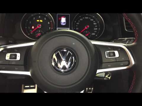 Navi multimedia adaptér Volkswagen Golf 7 GTi - detailní pohled na autorádio