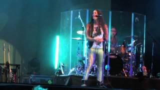 "ALANIS MORISSETTE: ""Uninvited"" live @ ""The Guardian Angel Tour"" in Milan"