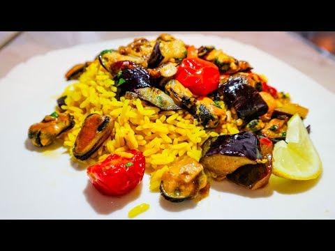 Пряный рис с овощами и мидиями