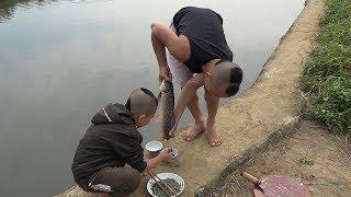 Tiết Canh Cá Trôi Và Màn Bắt Cá Bằng Lưới Đẳng Cấp Không Cần Chạm Nước Của Mao Đệ Đệ