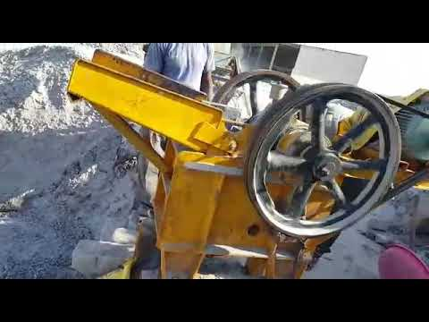 Waste Bricks Crusher Machine