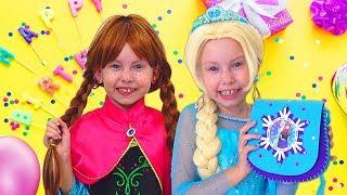 Frozen Elsa Is Preparing Birthday Party For Anna