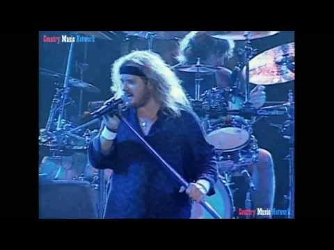 """Lynyrd Skynyrd """"What's Your Name"""" (Live)"""