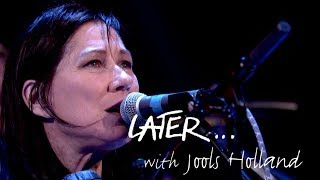 The Breeders revisit their 1993 hit Cannonball on Later… with Jools - dooclip.me