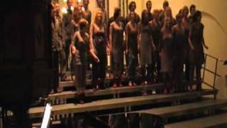 Theaterkoor Dario Fo met Lioness Hunt