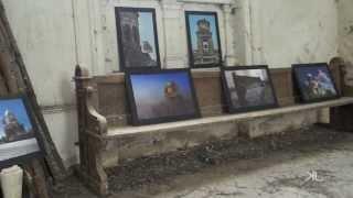 preview picture of video 'Expozitie Fotografica la ruinele Bisericii Baronului, Bogda.'