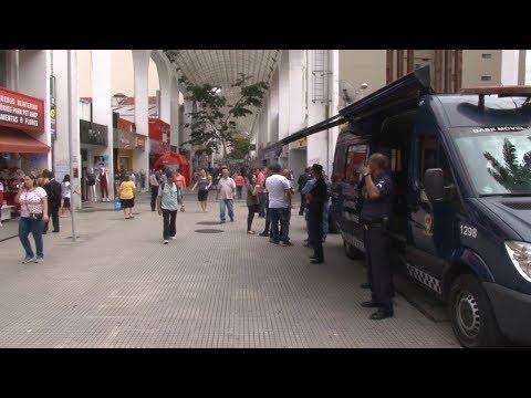 Santo André inicia operação de Natal nos centros comerciais;
