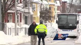 Jurors tour Hernandez home, crime scene