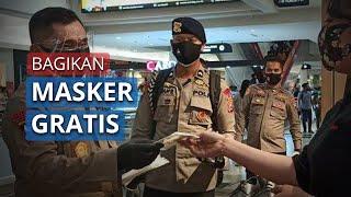 Kapolda Jatim Tak Lelah Bagikan Masker Gratis untuk Warga Surabaya