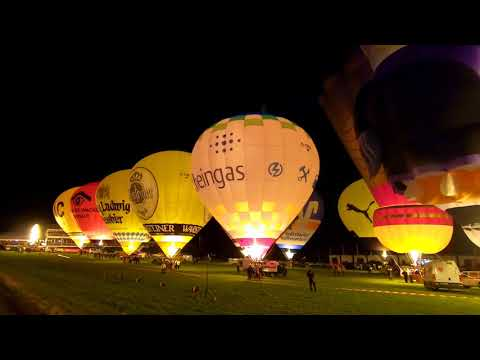 Video vom kompletten Nightglow der Warsteiner Internationalen Montgolfiade