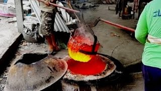 Ancient gold smelting rare today. extract recovery process of refining gold to remove any impurities