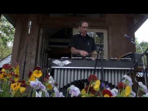 Donna Kay & Daniel Z, Vibe Vox, AfroBlue, 4/14/13